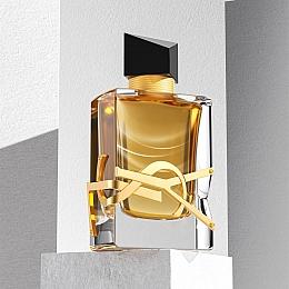 C4素材网-C4D工程-化妆品玻璃瓶
